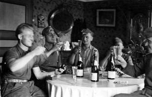 war Germans drinking Champagne